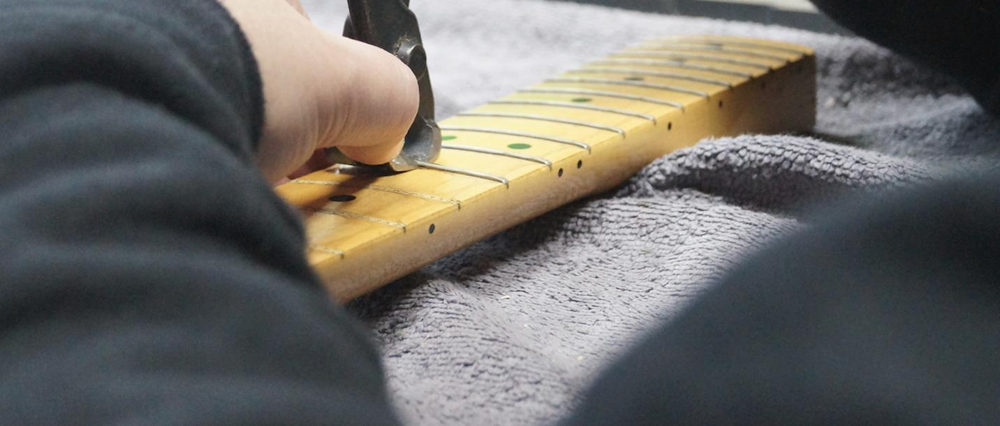 Uwe bundiert Gitarre